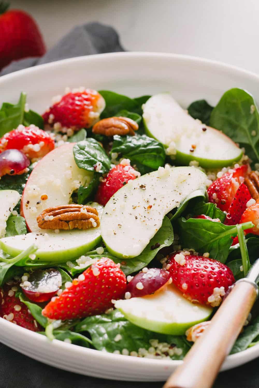 strawberry apple quinoa spinach salad