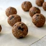 almond vanilla chocolate chip bites