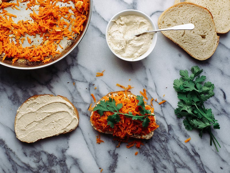 Spicy Carrot & Hummus Sandwich