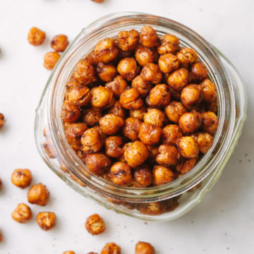 chipotle roasted chickpea in a mason jar