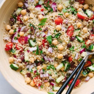 greek chickpea & quinoa salad