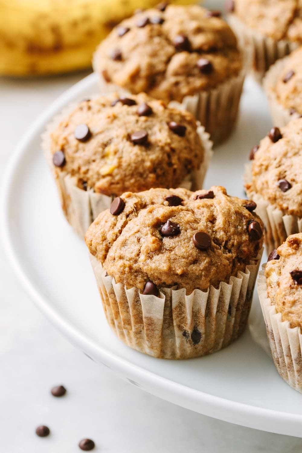 BANANA CHOCOLATE CHIP MUFFINS (HEALTHY) - THE SIMPLE VEGANISTA