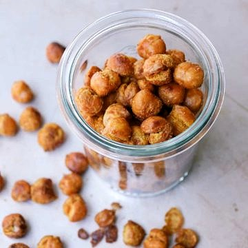 CURRY + SRIRACHA ROASTED CHICKPEAS