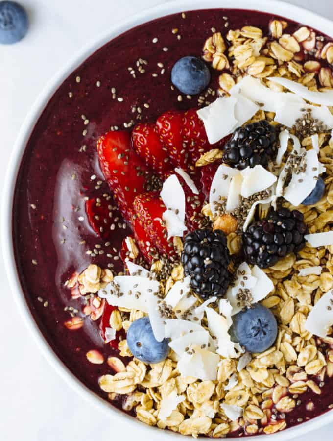 SUPER BERRY ACAI BOWL