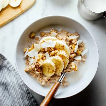 OVERNIGHT BANANA NUT STEEL-CUT OATMEAL