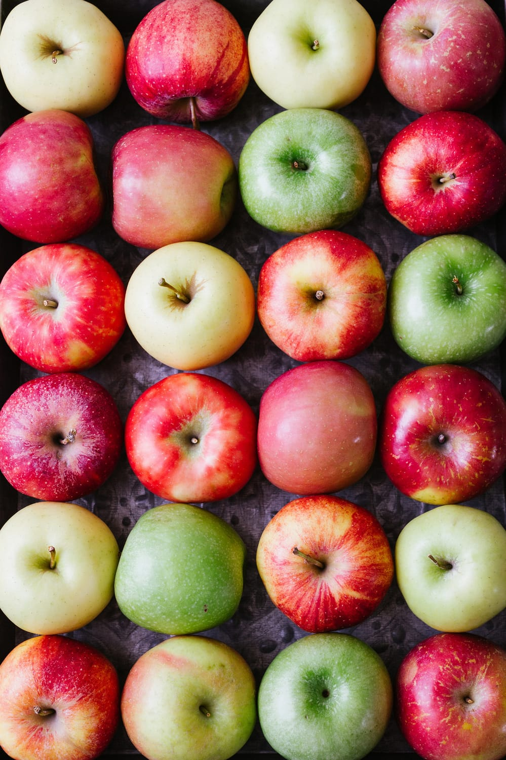 APPLESAUCE: choosing apples - fuji, honey crisp, golden delicious, gala, granny smith