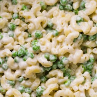 easy vegan creamy mac and cheese with peas