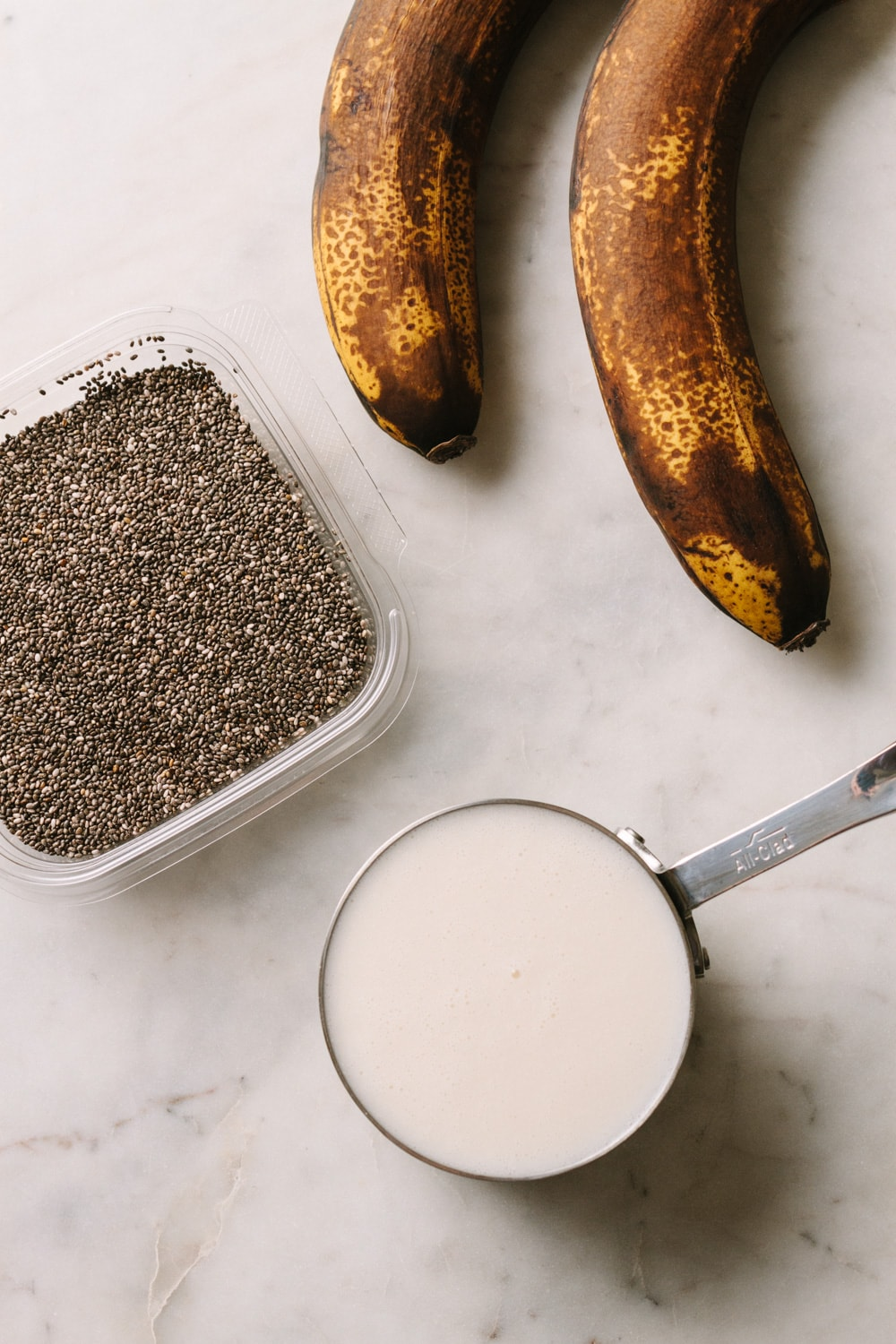banana chia seed pudding ingredients