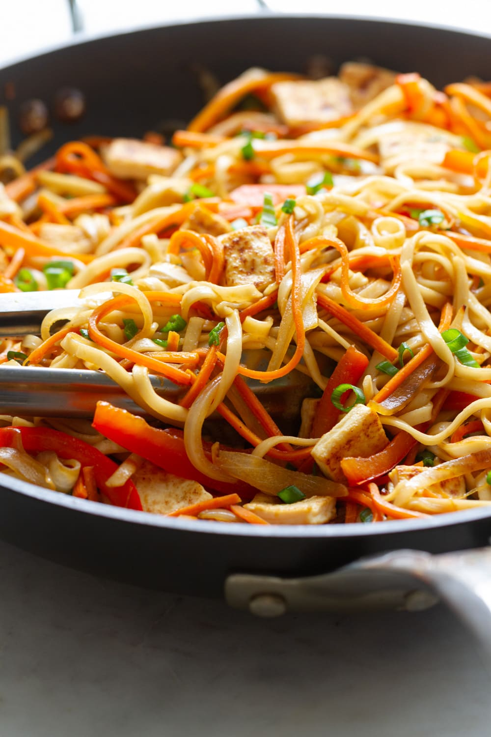 vegetable lo mein freshly made in a skillet